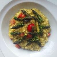 La primavera nel piatto, risotto con crema di asparagi e fragole