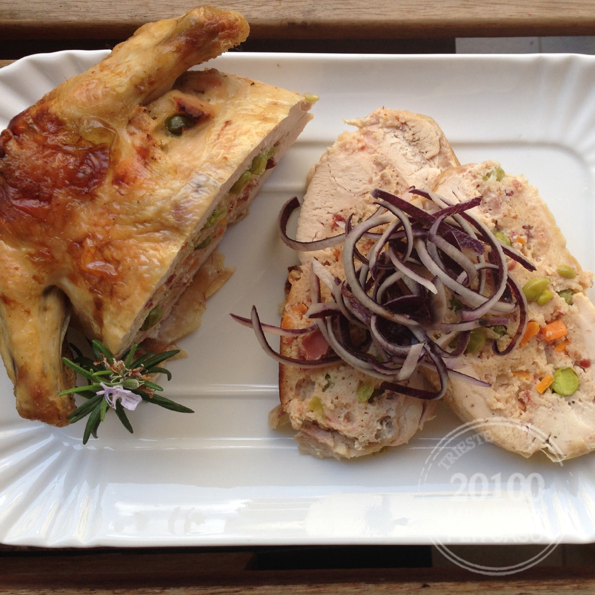 Pollo ripieno di verdure
